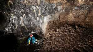 火山、间歇泉、温泉 Caving - Lava Beds National Monu