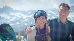 Chloe Kim with Map (0-03-18-01)