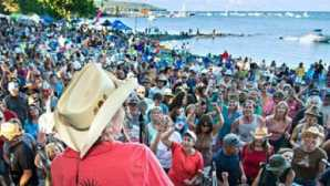 Caminhadas no Lake Tahoe Concerts at Commons Beach - Visi