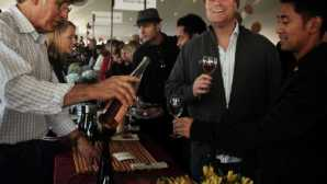 Mendocino Art & Artists  Crab, Wine & Beer Festival - Vis