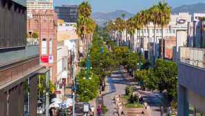 Santa Monica Shopping Downtown & 3rd Street Promenade