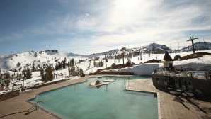 Après-Ski at Squaw Valley Alpine Meadows High Camp Pool & Hot Tub | Lake