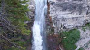 Lassen durante o Inverno Hiking Mill Creek Falls Trail -