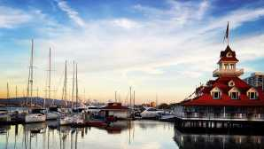 San Diego: Waterfront Dining Home | Coronado Visitor Center