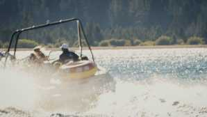 Diversão de Inverno no Lake Tahoe Lake Tahoe Water Sports, Boat Re