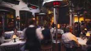 Spago 的 Wolfgang Puck Spago Patio Lo_website