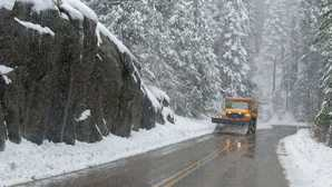 Grant Grove Winter Driving - Sequoia & Kings