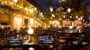 Live shows & parades blue-bayou-restaurant-00