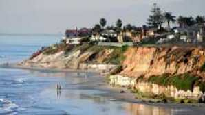 San Diego: Waterfront Dining carlsbad cove houses on beach 400x216