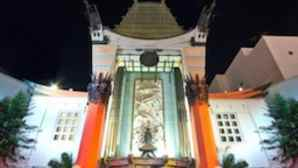 Hollywood Walk of Fame chinese_theater-256x180