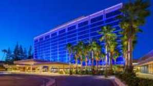 Spotlight: Disneyland Resort  disneyland-hotel-overview-g00_0
