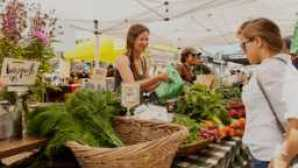 California Questionnaire: Alice Waters fb-farmers-market-2