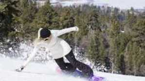大熊 ss-girl-snowboarder-view-0893-edit