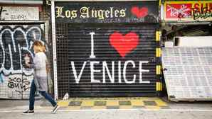 vc_ca101_videothumbnail_fiveamazingthings_venice_veniceboardwalk_1280x7202
