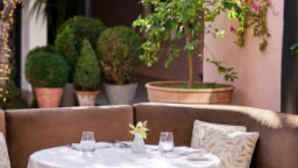 Hotel Bel-Air vca_resource_hotelbelairwolfgangpuck_256x180