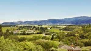 5 Napa Valley Wineries You Should Know vca_resource_napavalleytour_256x180
