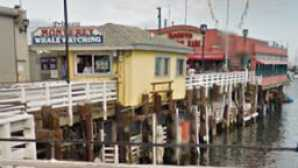 8 Cool California Piers vca_resource_seemontereywharf_256x180