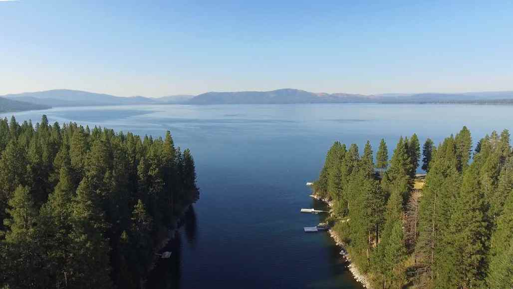 Shasta Cascade's Lake Almanor