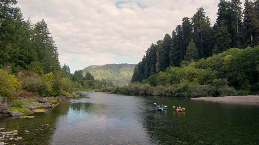 5 choses incroyables à faire à Crescent City vc_ca101_videothumbnail_fiveamazingthings_crescentcity_smithriver_1280x7202