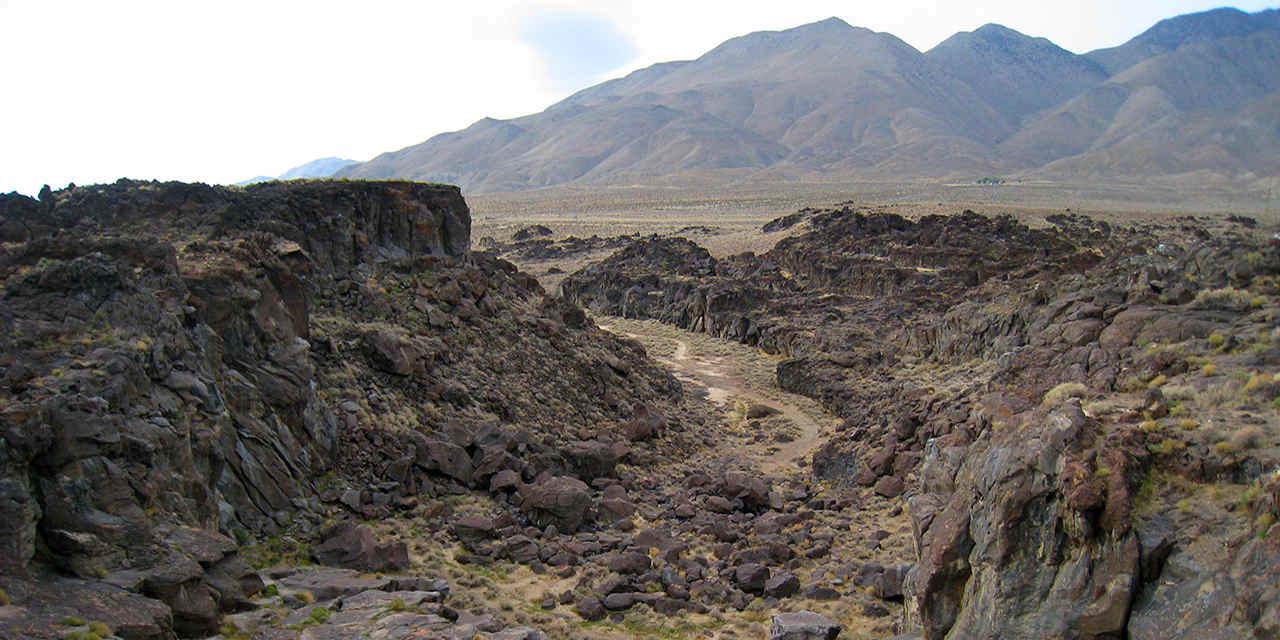 Fossil Falls 化石瀑布