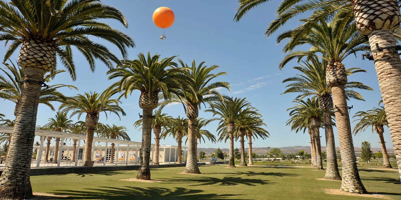 크리스탈 코브 주립공원 해변 캠핑 FunFact_Great Park Balloon above the Palm Court Arts Complex_sized