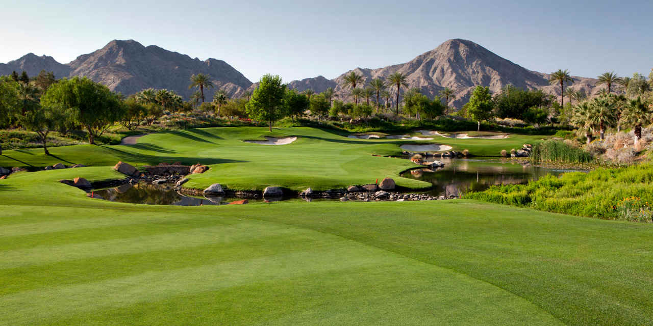 Luxury Resorts in the Desert VCW_D_DE_T8_DE_PS_GolfCourse_KG_0