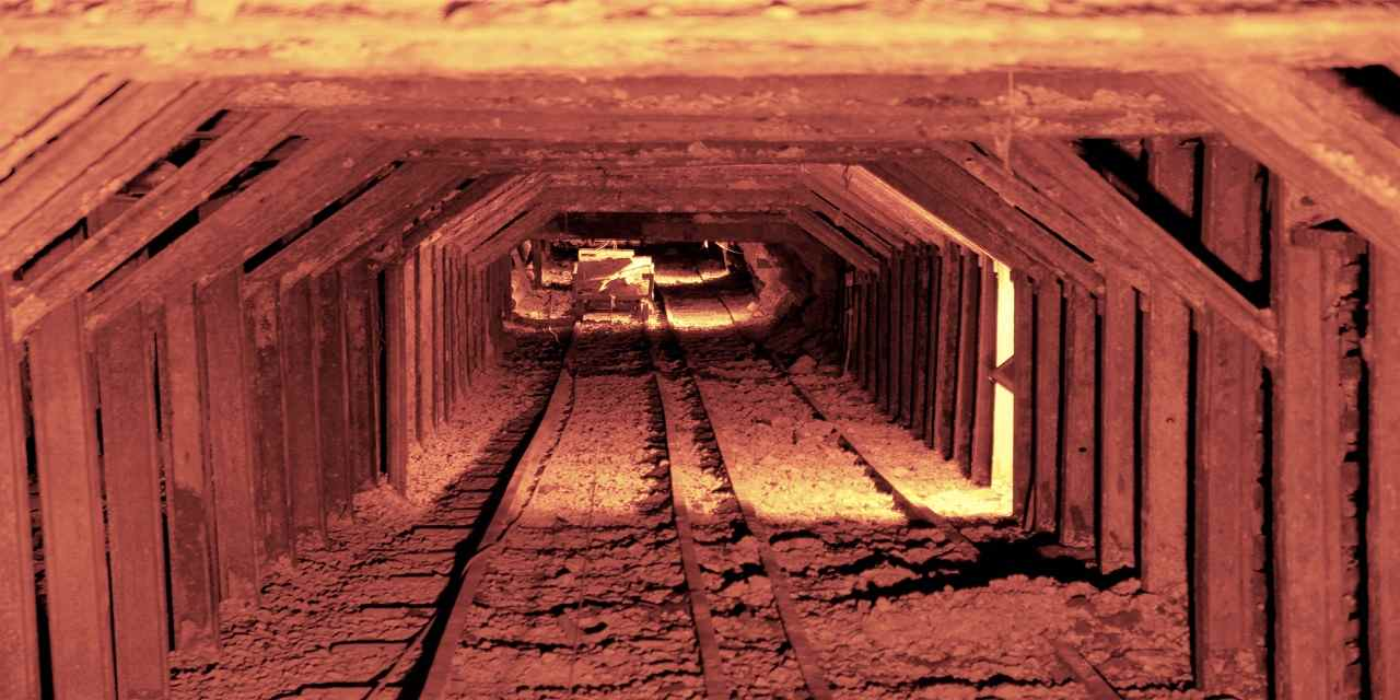 哥伦比亚州立历史公园 VCW_D_GC_T3-Lorres Gold Mine tunnel_CTTC09111716003843