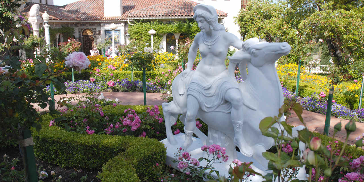Die Gärten von Hearst Castle