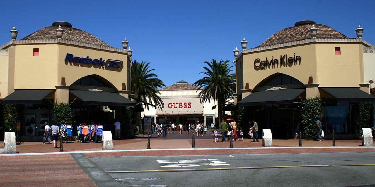 Big-Bargain Outlet Malls