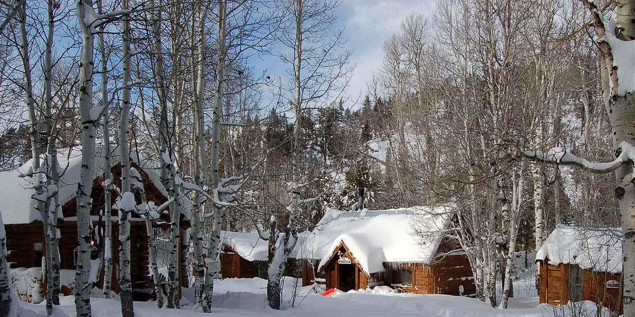 9 cozy winter cabins & lodges