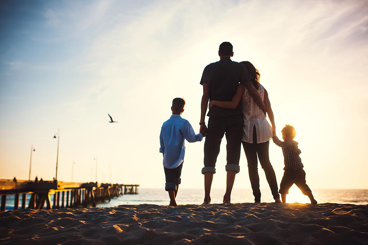 красивые фото семьи с детьми со спины когда живёшь нём